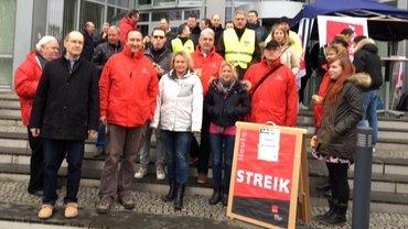 Düsseldorf, DT Technik NSO wird von Kolleginnen und Kollegen der T-Systems solidarisch besucht