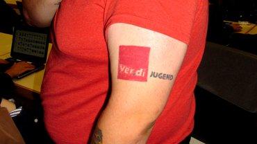 Marcels starker Arm der ver.di-Jugend bei der Telekom in Dortmund