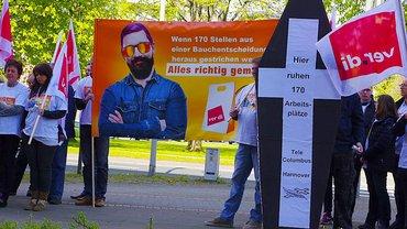 Tele Columbus-Beschäftigte protestieren gegen Arbeitsplatzabbau
