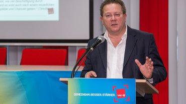 Lothar Schröder beim Tag der Mitgliederpolitik 2016 des LFB 9 NRW